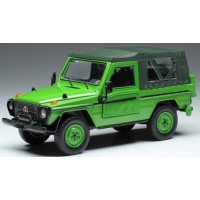 MERCEDES-BENZ 240G SWB Softtop, 1986, green